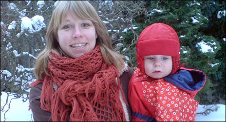 Centerns Åsa Nilsson med sonen Malte.