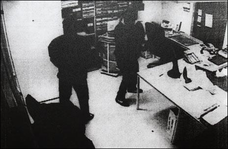 Bild från förundersökningsprotokoll, tagen med ICA-butikens övervakningskamera