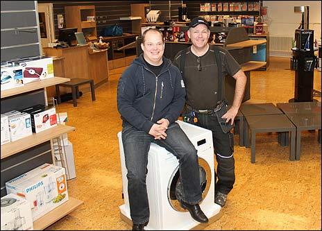 Butikschef Jesper Johansson och butiksägare Jörgen Nelsäter