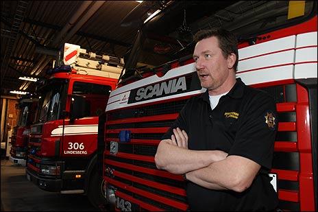 Stationschef Tommy Larsson söker deltidsbrandmän