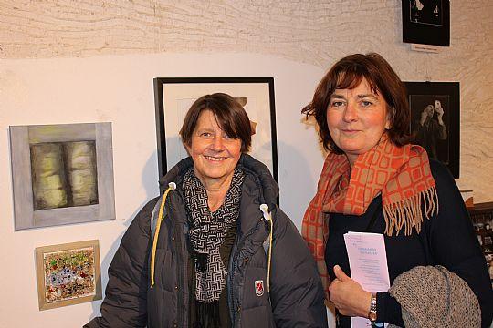 Amelie Boson och Ann Björk, Lindesbergs konstförening, medarrangörer av Vinterspår. Foto: Monika Aune