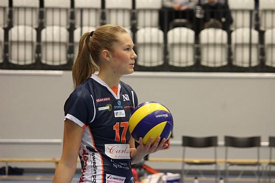 Rebecka Gustafsson och hennes Lindesberg Volley kunde inte rubba Engelholm i GP-finalen. FOTO: Hannes Feldin