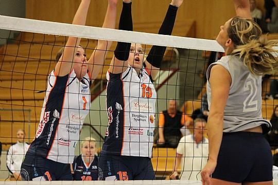 Martina Svensson och Evelina Frank låg med sitt blockspel bakom segern borta mot Katrineholm. FOTO: Hannes Feldin