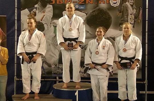 Lina Matérne, längst till höger, säkrade en bronspeng i Eindhoven. FOTO: Frövi Judo