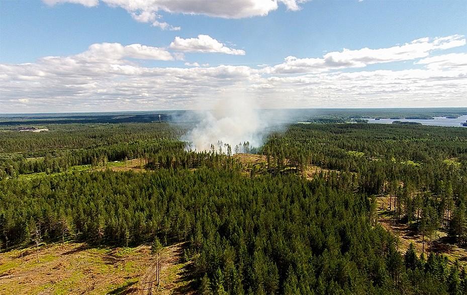 Kraftiga skogsbrander vid lindesberg