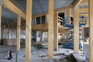 Många pelare och olika vinklar i den nya brandstationen. Foto: Hans Andersson