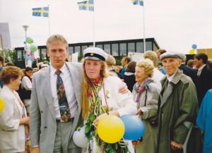 Pappa Bengt och familjen mötte när Lisa Isman tog studenten i maj 1991 på Lindeskolan. Foto: Privat
