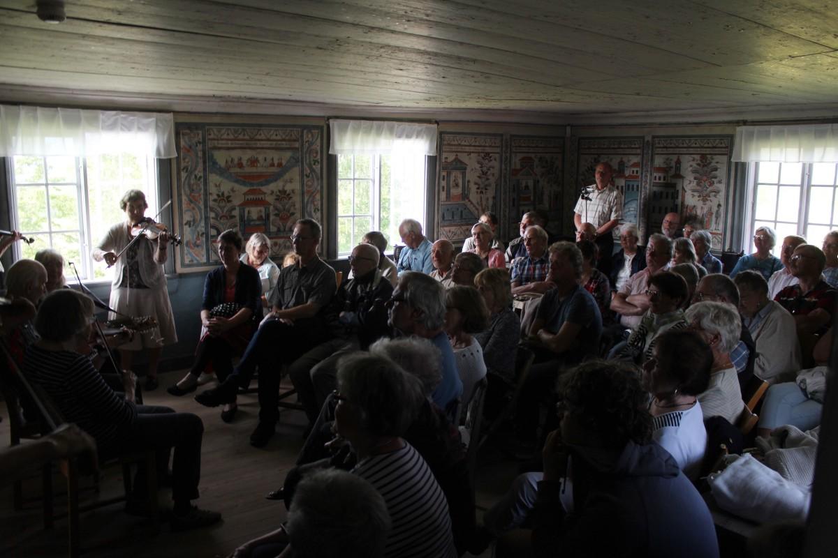Stor publik kvällen till ära. Foto: Ida Lindkvist