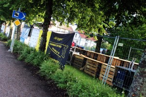 Området är snart färdigställt för fest. Foto: Ida Lindkvist