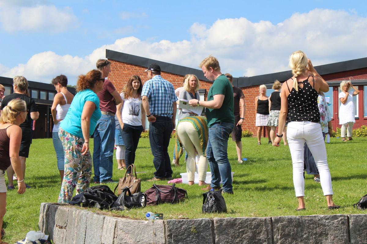 Äventyrspedagogik i gröngräset. Foto: Ida Lindkvist