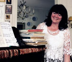Musiken och sången är en viktig del i Gun-Britt Bikfalvys liv. Foto: Hans Andersson