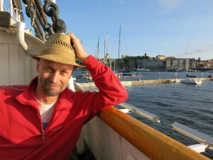 Johan Theorin är född i och bor nu i Göteborg och Öland betyder mycket för honom. Havet har stor betydelse för honom och i hans böcker. Fotograf: Anders Wennersten