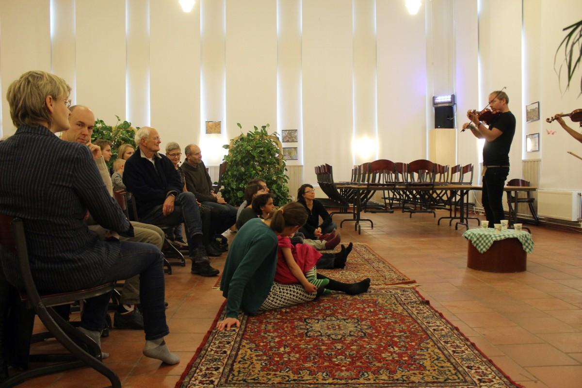Koncentrerad publik. Foto: Ida Lindkvist