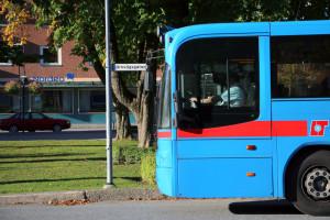 Från och med 15 oktober sker av- och påstigning vid Flugparken istället för busstationen. Foto: Fredrik Norman