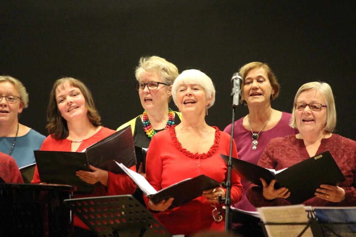 Mycket glädje när kören sjunger. Foto: Ida Lindkvist