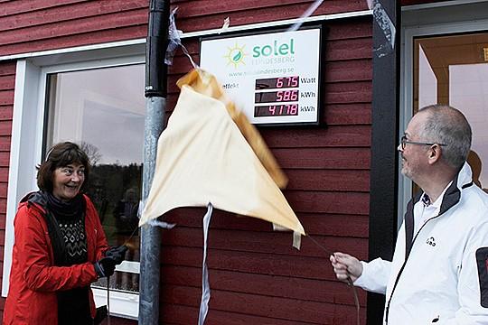 Arkivfoto (Hans Andersson) från när solelen på Lindeskolans tak invigdes, vilket Per Zetterlund idag berättade om.