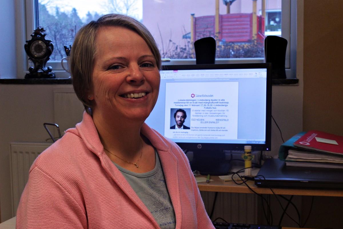 Linda Persson, ordförande vid Lärarförbundet i Lindesberg, ser fram emot kvällen med Özz Nûjen. Foto: Ida Lindkvist
