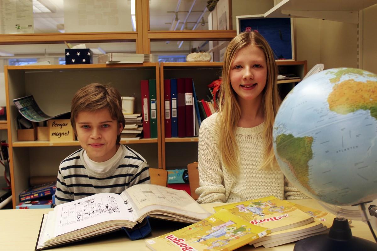 Filip Örtlund och Selma Ivarsson representerar klassen i Vi i femman. Foto: Ida Lindkvist