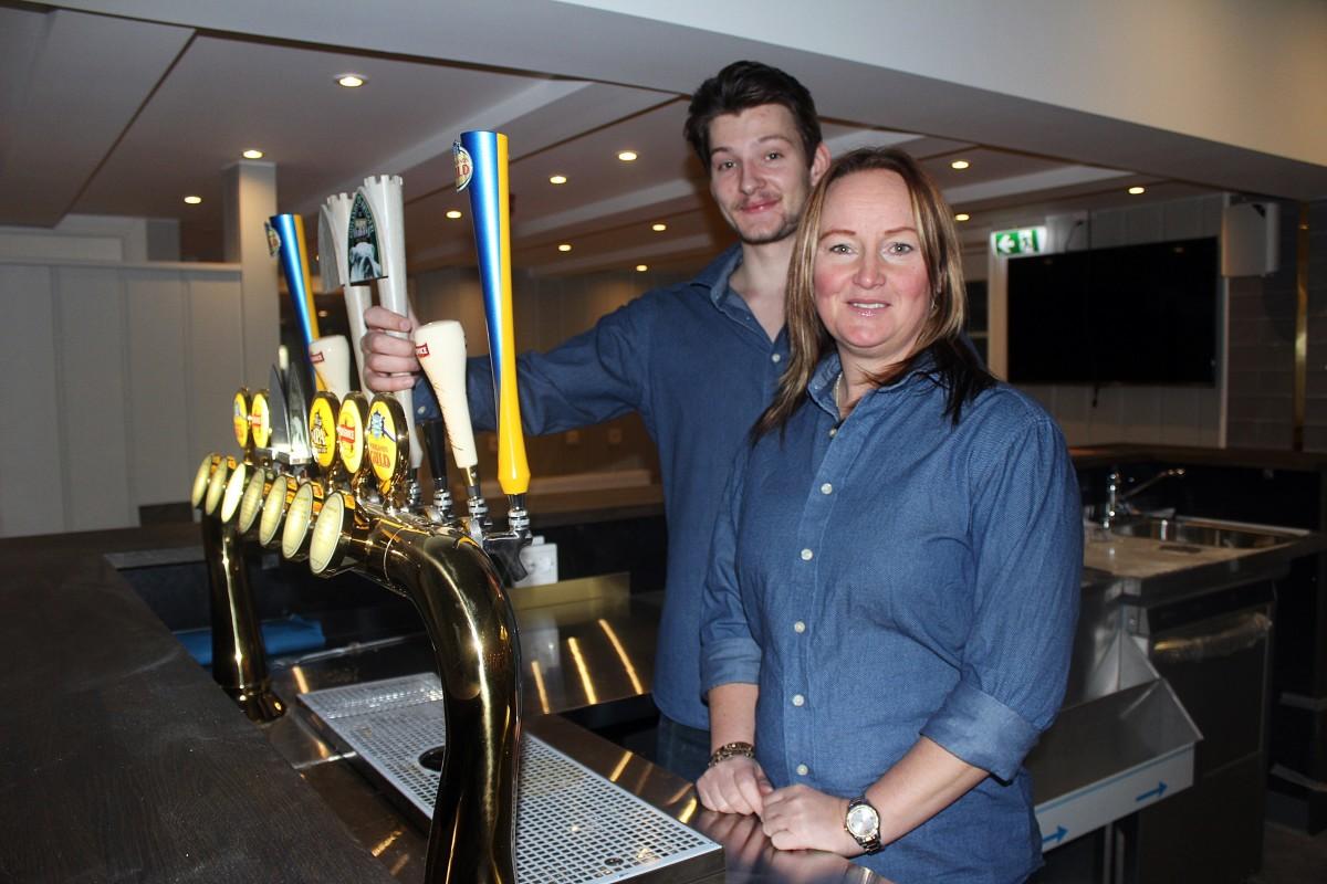 Sebastian Sedell och Wicktoria Holgersson ser fram emot öppningen av sportbaren. Foto: Ida Lindkvist