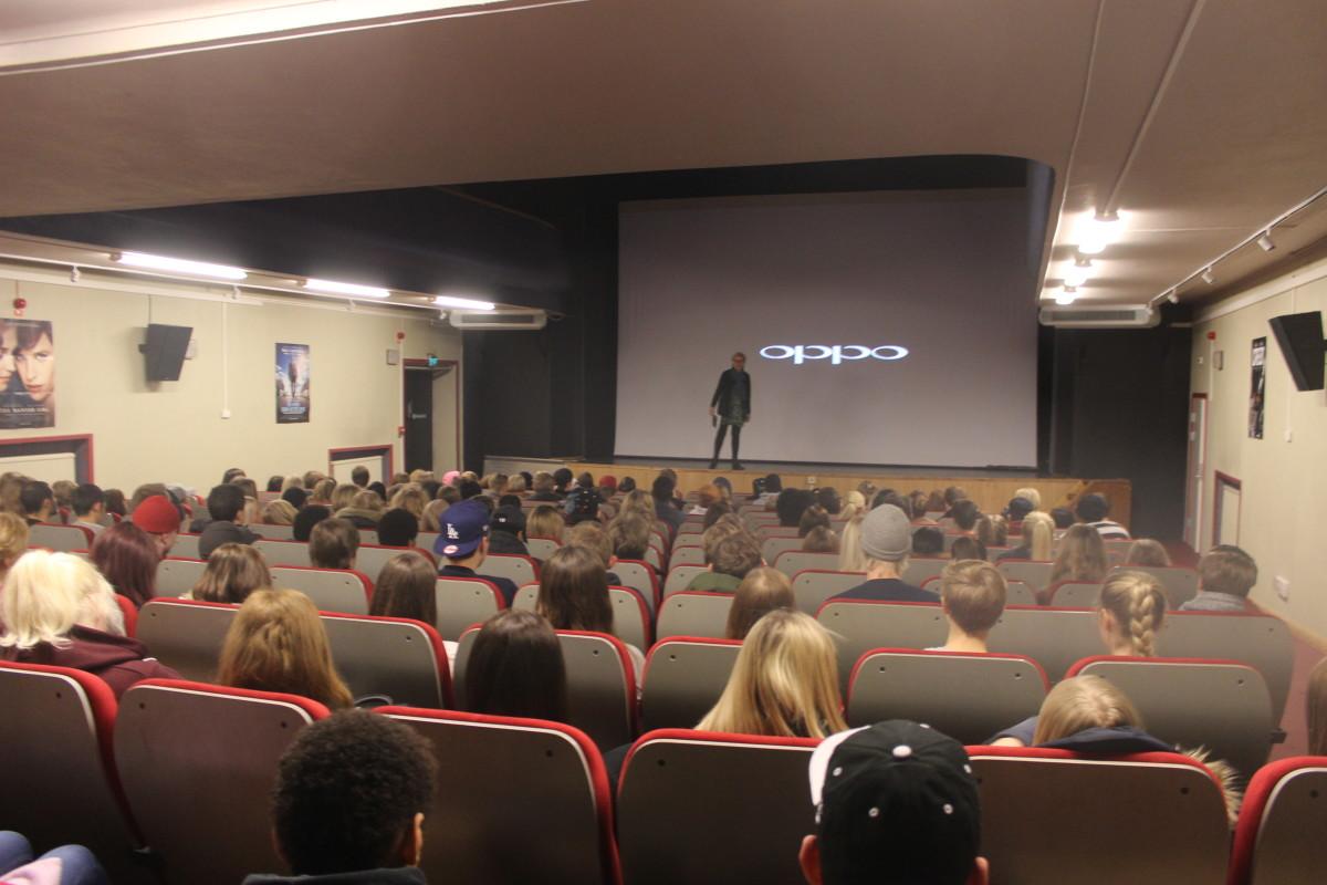"""Många elever på plats för att se filmen """"Black book"""". Foto: Ida Lindkvist"""