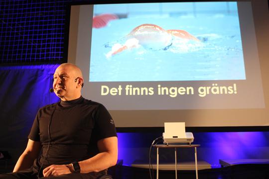 Inget stoppar Anders Olsson. Nu siktar han mot Paralympics i Rio och när du läser det här är han på väg mot kval-tävlingar i Norge. Foto: Hans Andersson