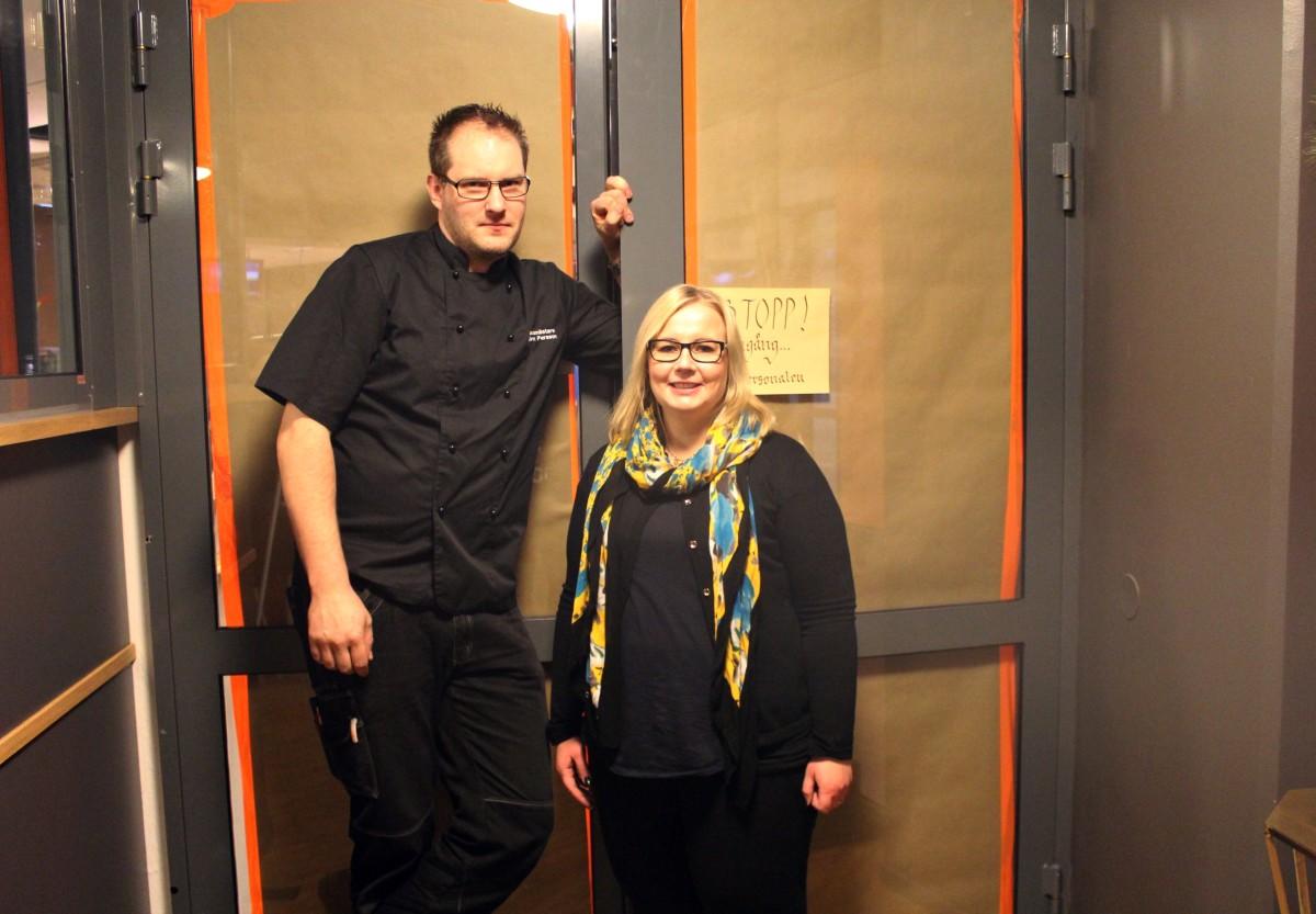 Nyfikna göra sig icke besvär. Björn och Sandra har täckt för ordentligt, men den som väntar på något gott... Foto: Ida Lindkvist