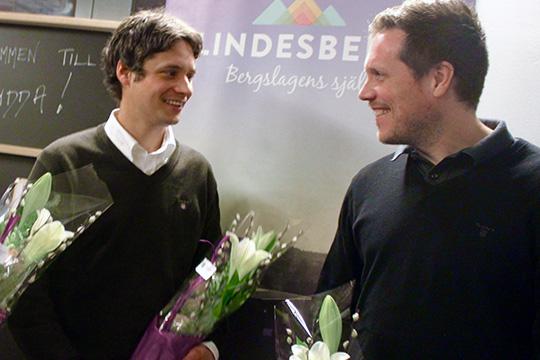 """Jonas Blom och Johan Svensson Lindesbergs Bygg hyllades först med blommor som en av tre DI-Gaseller i Lindesberg. Nu kan de också titulera sig som """"Årets Företagare"""".  Foto: Hans Andersson"""