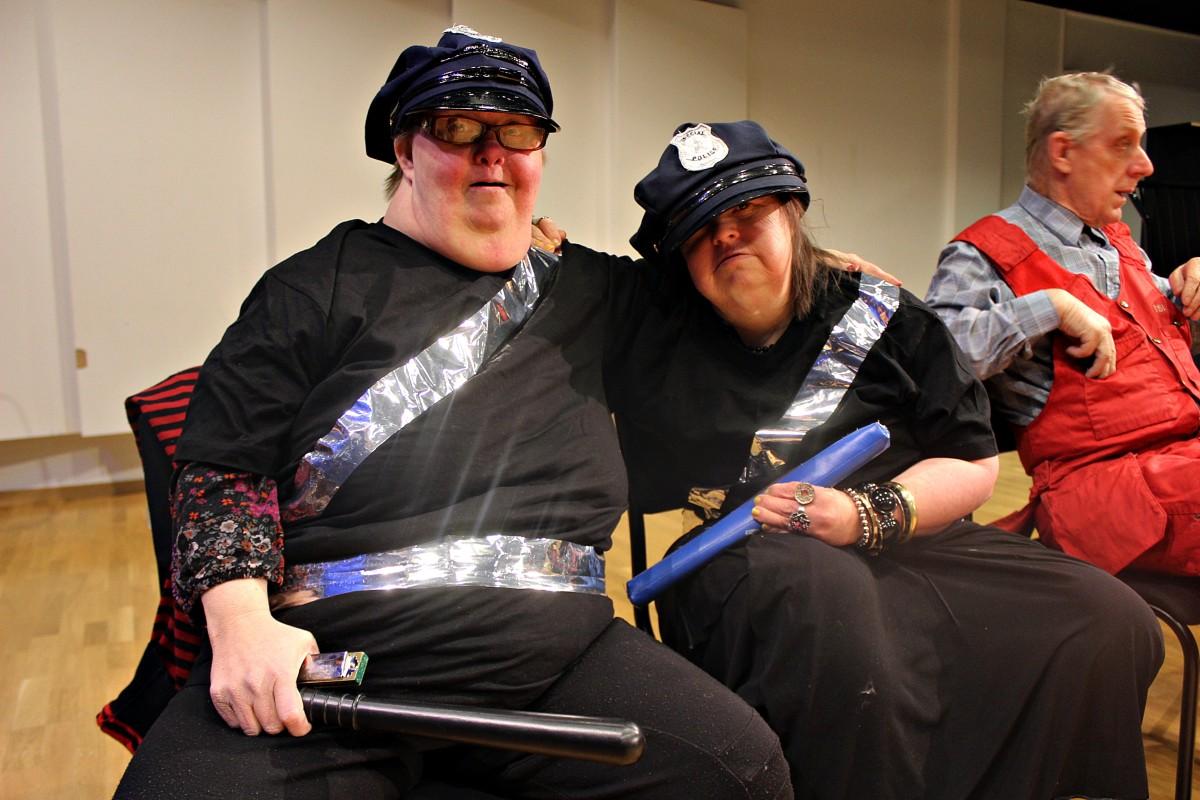 Susanna Blomquist och Mona Ragnarsson som Kling och Klang. Foto: Ida Lindkvist