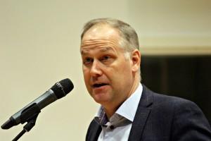 Jonas Sjöstedt svarade på elevernas frågor. Foto: Ida Lindkvist