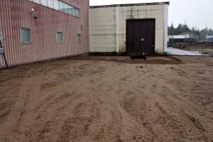 Här har det redan hunnit hända grejer; asfalten har blivit uppgrävd. Foto: Ida Lindkvist