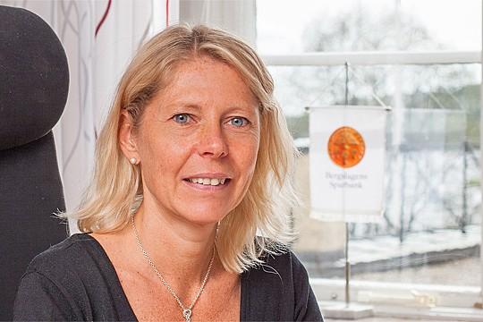 Bergslagens Sparbanks VD Cecilia Jeffner ger råd inför deklarationen. Foto: Rolf Karlsson/Bildmakarna