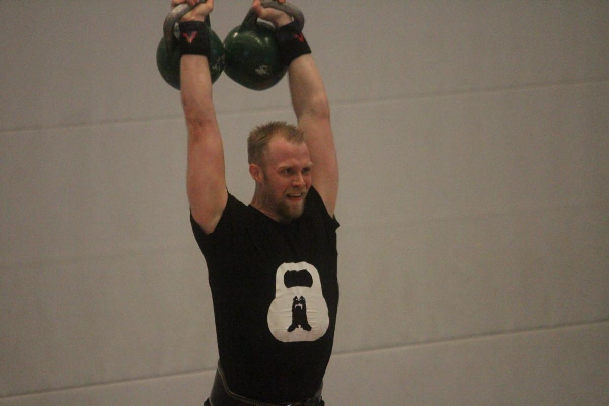 Kristofer Larsson tog hem guldmedaljen i sin viktklass, +85 kilo. FOTO: Hannes Feldin