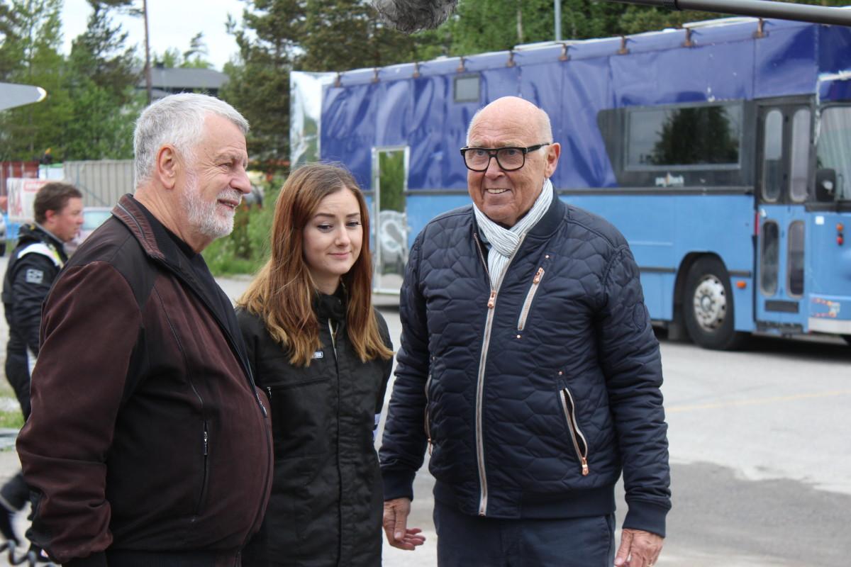 Björn Hellberg och Ingvar Oldsberg tillsammans med SHRA:s Julia Borén Stolt. Foto: Ida Lindkvist