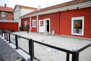 En helt ny 100 kvm stor servering har byggts utanför Majas Sportbar. Foto: Fredrik Norman