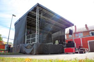 Festivalens stora scen, där artisterna ger järnet hela helgen. Foto: Fredrik Norman