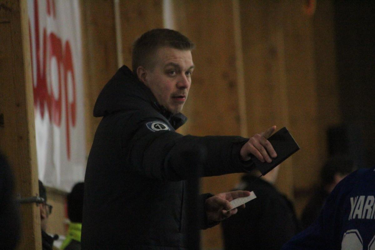 Klarar Jussi Salo av att peka ut den vinnande taktiken för Löven i derbyt? ARKIVFOTO: Hannes Feldin