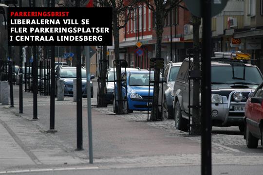 Parkeringsbristen missgynnar handlare på Kristinavägen, påpekar Liberalerna. Arkivfoto: Fredrik Norman