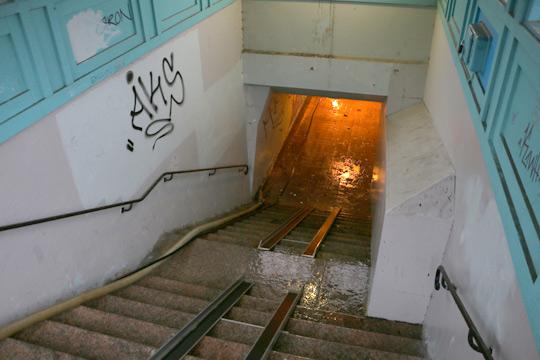 Järnvägstunneln spolas idag. Foto: Fredrik Norman