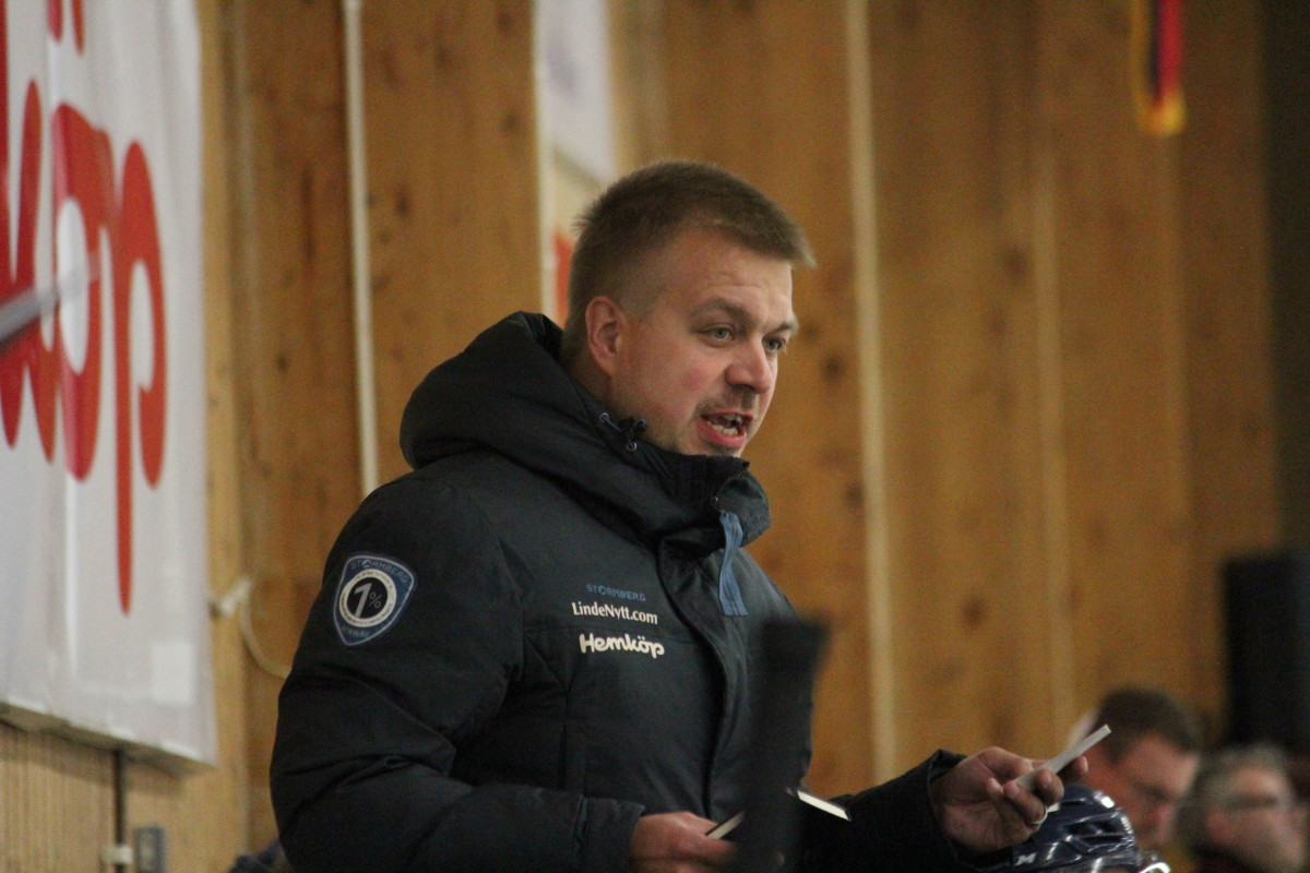 För första gången den här säsongen har Jussi Salo åtta kontrakterade backar i truppen. ARKIVFOTO: Hannes Feldin