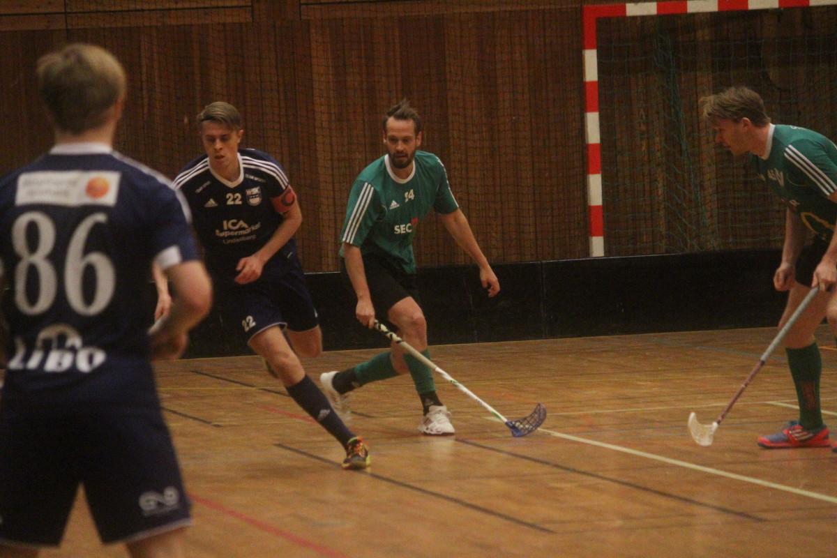 Lagkaptenen Pontus Hellsing var inblandad i tre av WSK-målen i förlusten. ARKIVFOTO: Hannes Feldin
