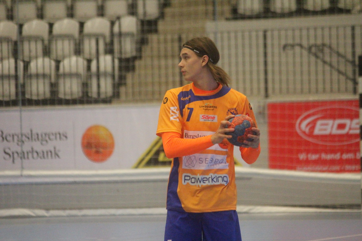 Jesper Nilsson snackar upp LIF:s avslutande match för säsongen. ARKIVFOTO: Hannes Feldin