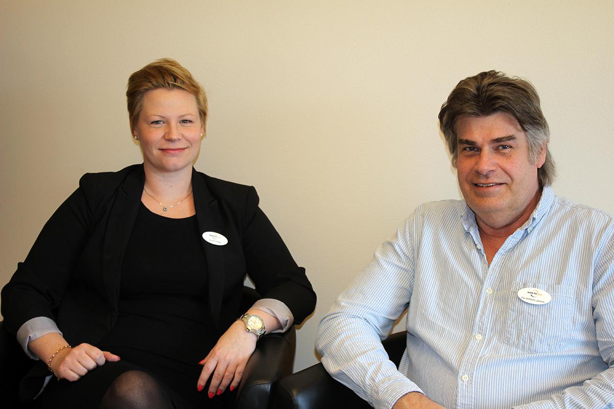 Emma Thegel och Per-Wilhelm Janson hjälper Lindesbergare att komma ut på arbetsmarknaden. Foto: Camilla Lagerman
