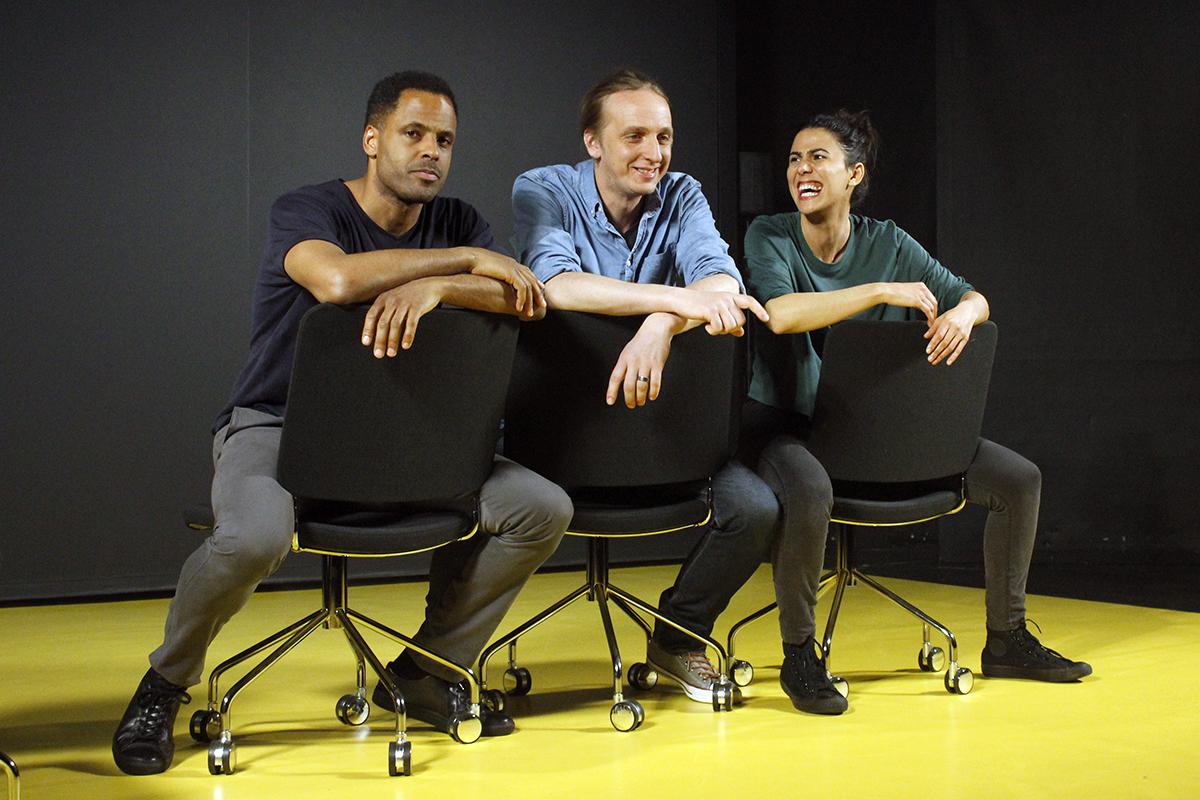David Lenneman, Martin Schibbye och Angelica Radvolt gör föreställningen Kality. Foto: Jennie Larsson
