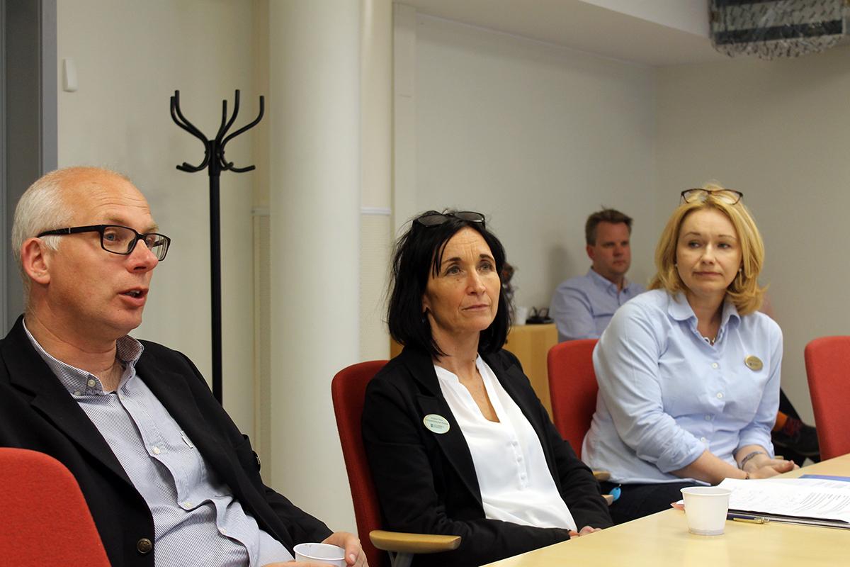 Henrik Arenvang, Kristina Öhrn och Carina Fyrpihl kallade till pressträff under måndagskvällen. Foto: Camilla Lagerman