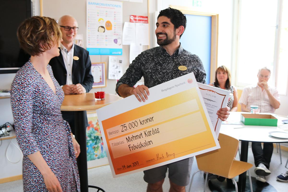 En mycket överraskad pristagare. Foto: Lindesbergs Kommun