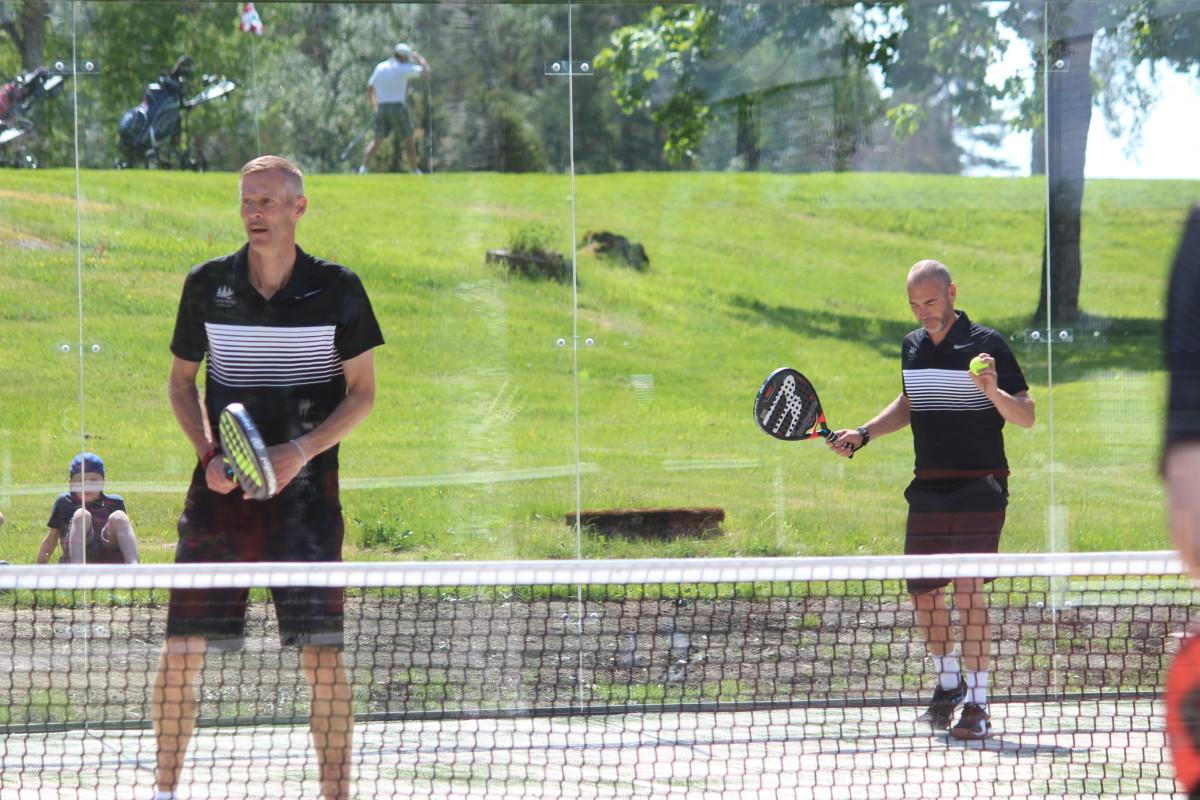Duon med Per Nyberg och Stefan Leskinen tog en inledande match mot Örebroettorna. FOTO: Hannes Feldin