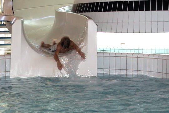 Den gamla vattenrutschbanan från 80-talets slut, ersätts nu med en helt ny och säkrare dito. Arkivfoto: Fredrik Norman