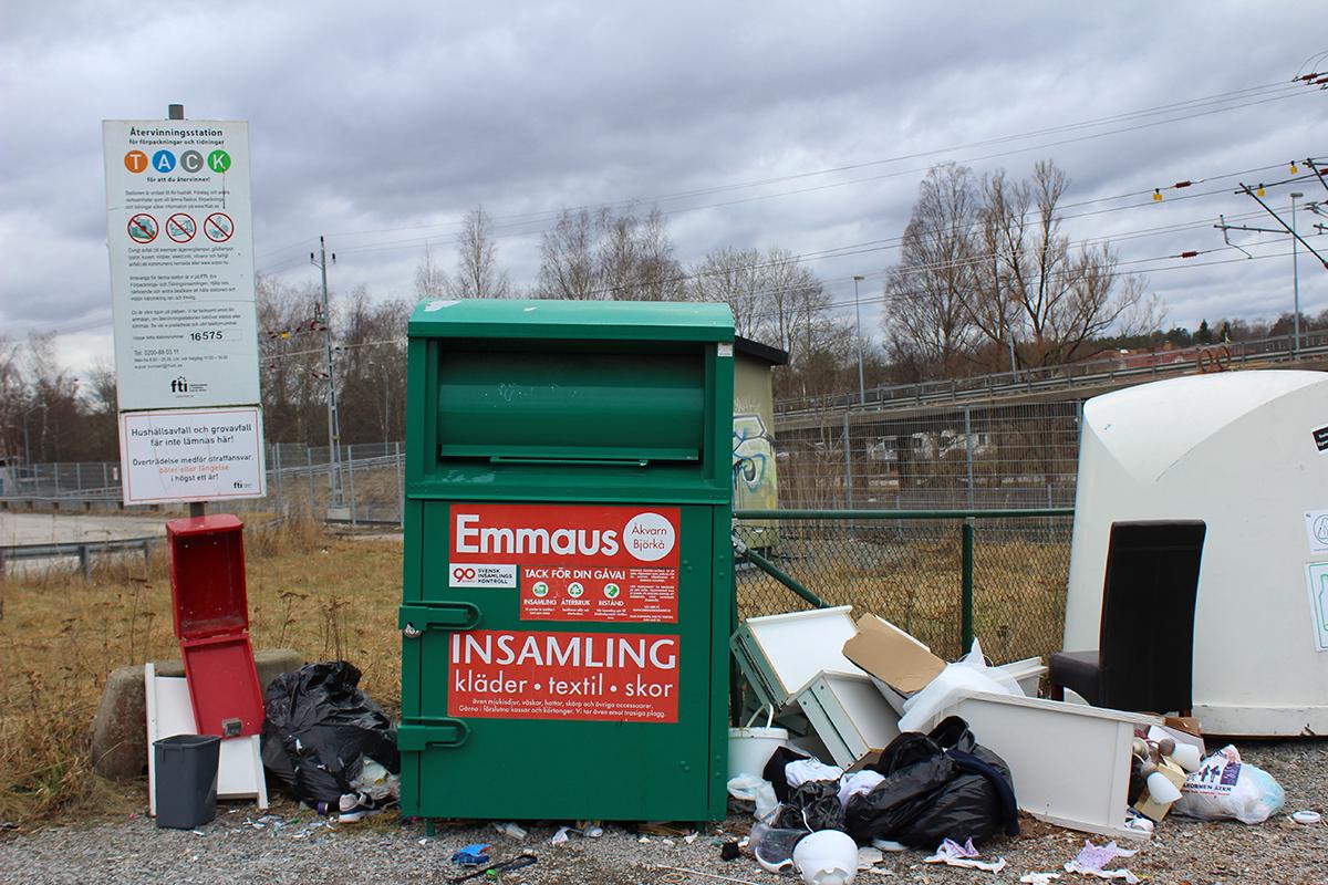 Nya fall av nedskräpning vid återvinningsstationer